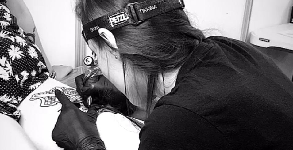 Chlobulle - Venenum Tattoo - France-2-Artistes-Tatoueurs-Besancon-Tattoo-Show-Convention-tatouage-2020