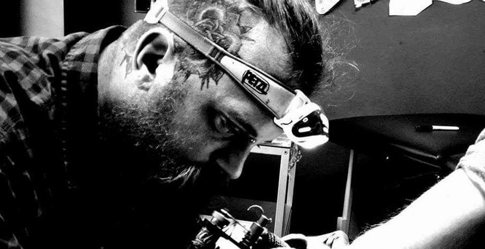 Docteur Klutz - Curiosité - Belgique-2-Artistes-Tatoueurs-Besancon-Tattoo-Show-Convention-tatouage-2020-