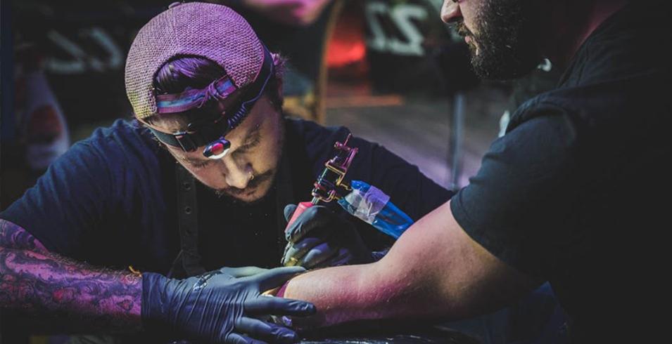 Flozion - L'age D'encre Tattoo Shop -2- France-Artistes-Tatoueurs-Besancon-Tattoo-Show-Convention-tatouage-2020-